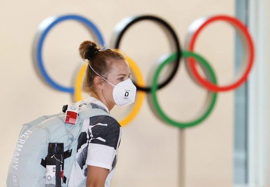 지난 4일 일본 매체들에 따르면 하루 전 도쿄올림픽 출전을 위해 입국하나 세르비아 조정 대표팀 선수단에서 신종 코로나바이러스 감염증(코로나19) 확진자 1명이 발생했다. 사진은 지난 1일 올림픽 출전을 위해 입국한 한 독일 조정 선수의 모습으로 기사 내용과는 무관함. /사진=로이터