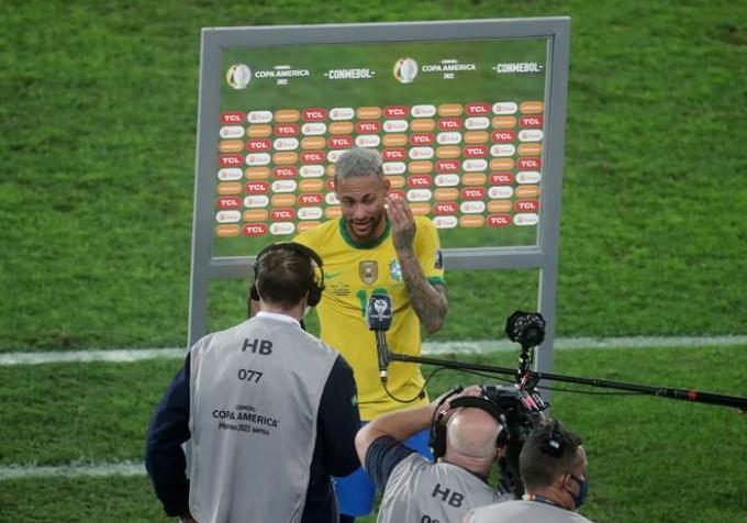 6일(이하 한국시각) 브라질은 2021 코파 아메리카 4강전 페루와의 경기에서 승리해 결승전에 진출했다. 네이마르는 경기 종료 후 기자회견에서 아르헨티나를 결승에서 만나고 싶다고 밝혔다. /사진=로이터