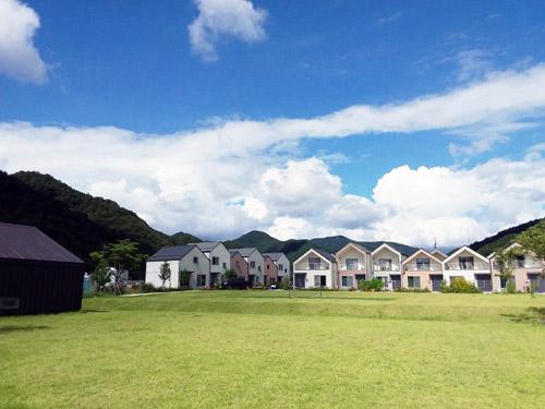 한국농어촌공사는 의성군과함께  2021년 대한민국 국토대전에 경북 의성고운마을을 출품해 우수한 기능과 디자인의 주거상업무단지 분야 학회장상을 수상했다./농어촌공사