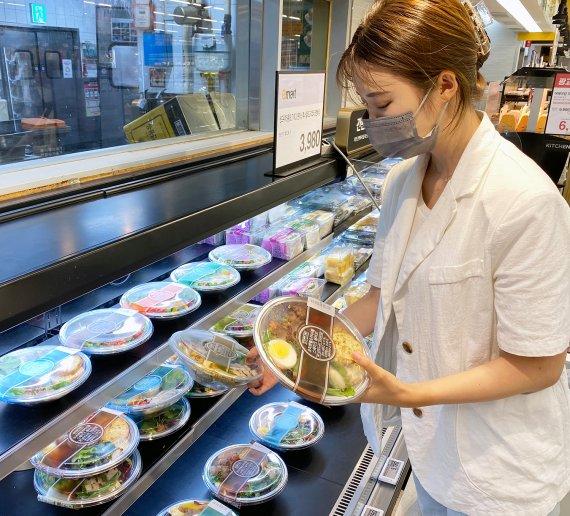 20일 신세계푸드에 따르면 올해 상반기 이마트에서 선보인 샐러드의 판매량은 전년 동기 대비 55% 늘었다. 같은 기간 SSG닷컴과 이마트24의 샐러드 판매량 역시 각각 32%, 46%씩 증가했다. /사진제공=SSG닷컴