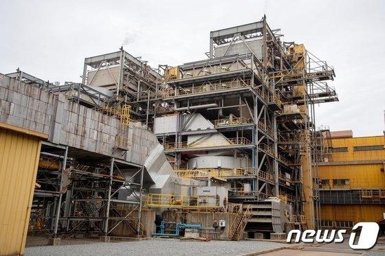 광양제철소에 새롭게 추가 설치한 SCR 설비(촉매를 이용해 연소가스에 포함된 질소산화물(NOx)을 질소(N2)와 수증기(H20)로 분해하는 청정설비)/뉴스1