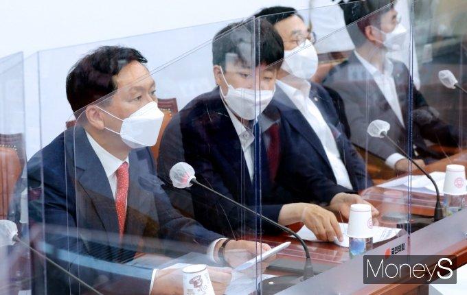 """[머니S포토] 국힘 김기현 """"文 대통령, 청해부대 집단 감염, 안이한 대처 지적 면하기 어려워"""""""