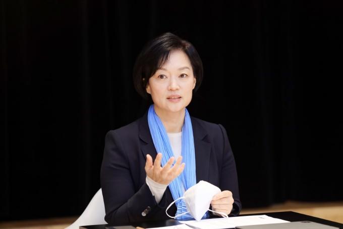 한성숙 네이버 대표가 22일 2021년 2분기 실적발표 직후 열린 컨퍼런스콜에서 네이버의 ESG(환경·사회·지배구조) 경영 현황을 보고했다. /사진제공=네이버
