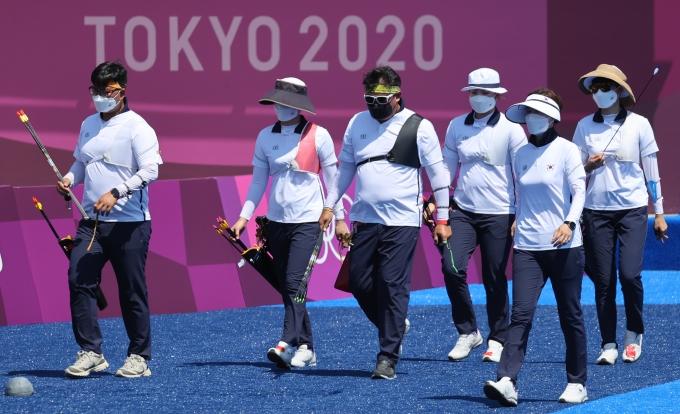 지난 21일 2020도쿄올림픽 첫 일정을 앞두고 한국 양궁대표팀이 일본 도쿄 유메노시마 공원 양궁장에서 훈련하고 있다. /사진=뉴스1