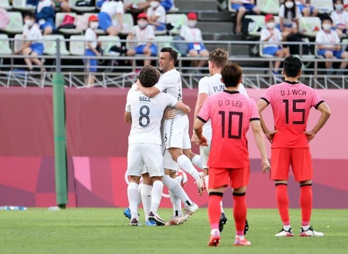 한국올림픽대표팀이 22일 오후 일본 이바라키현 가시마스타디움에서 열린 뉴질랜드와의 2020도쿄올림픽 남자축구 조별라운드 B조 1차전에서 크리스 우드에게 결승골을 내주며 0-1로 패했다. /사진=뉴스1