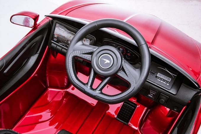 맥라렌 GT 라이드 온은 맥라렌을 상징하는 전통적인 디자인 디테일은 계승하면서 편의성도 갖추고 있다. /사진제공=맥라렌
