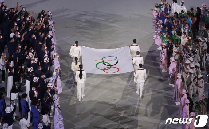 [사진] 도쿄올림픽 '오륜기 입장'