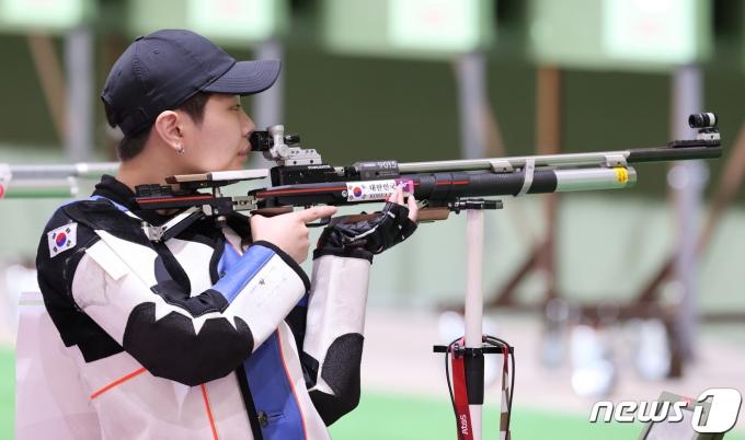 [사진] 박희문 '신중하게'
