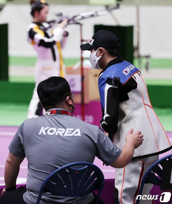 [사진] 박희문 '토닥토닥'