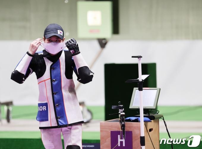 [사진] 박희문 '그래도 잘했다'