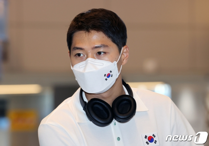 2020 도쿄올림픽 펜싱 종목에 출전하는 오상욱이 19일 오후 일본 나리타 국제공항을 통해 입국하고 있다. 2021.7.19/뉴스1 © News1 이재명 기자