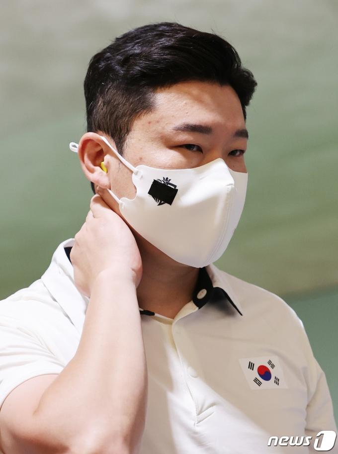 [사진] 진종오 '공기권총 본선 탈락'