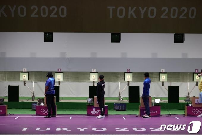 [사진] 금메달 향해 숨죽여 사격하는 김모세