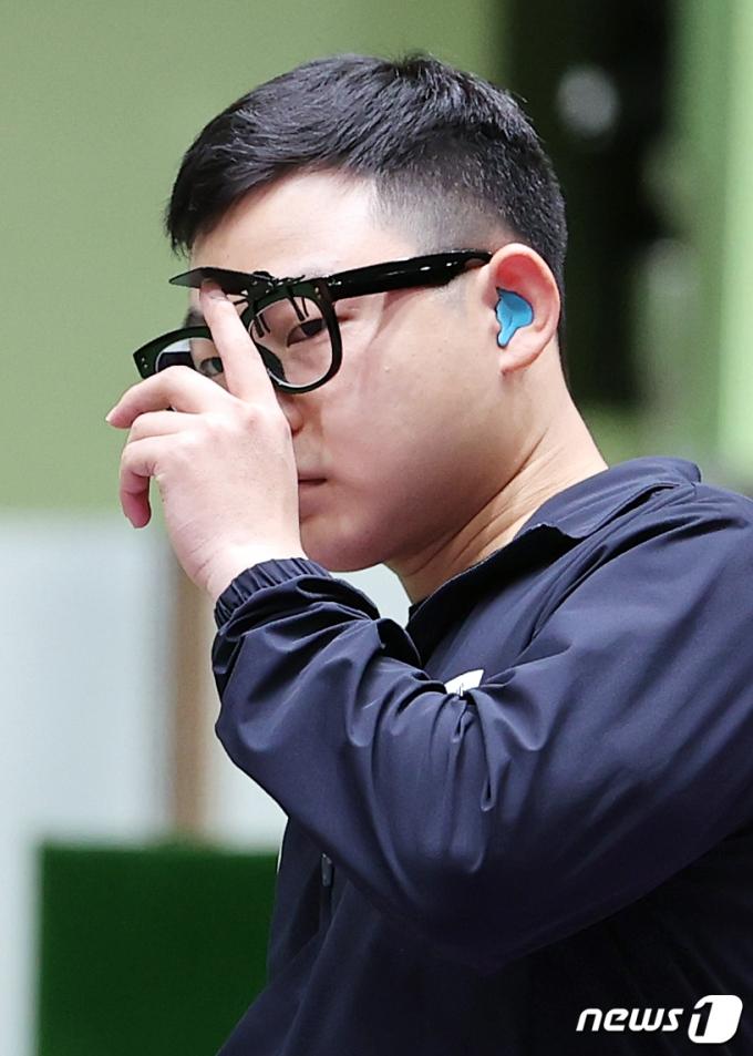 [사진] 김모세 '조금만 더 힘을 줘'