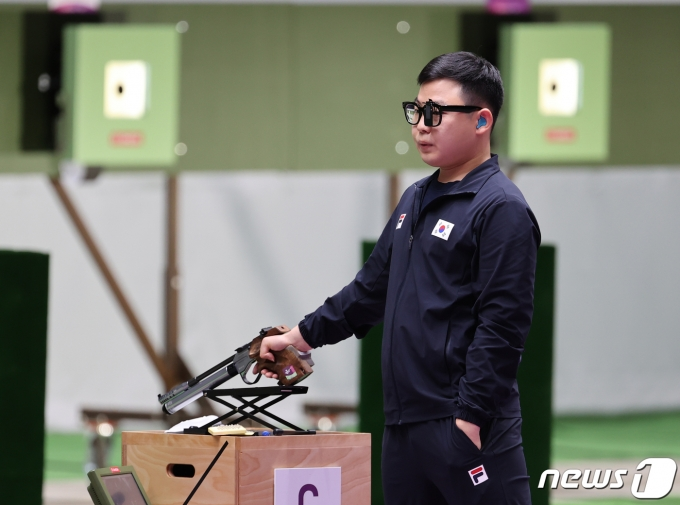 [사진] 숨 고르는 김모세