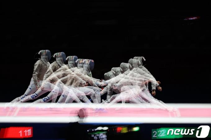 [사진] 김정환 '공격의 순간, 설명은 생략한다'