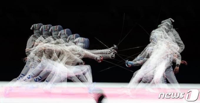 [사진] '바람처럼 공격한다'