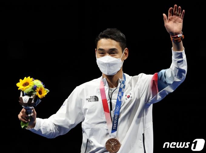 [사진] 동메달 수여받은 김정환