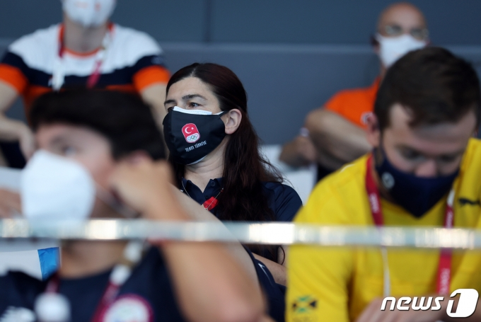 [사진] 코로나 확산 속 마스크 착용은 필수