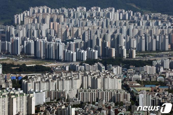 아파트 단지. 2021.7.23/뉴스1 © News1 이승배 기자