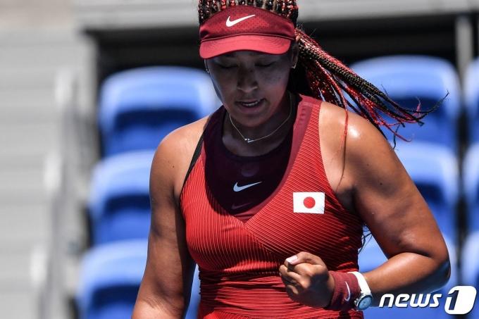 일본의 테니스 스타 오사카 나오미가 도쿄 올림픽 테니스 여자 단식 2회전에 진출했다.  © AFP=뉴스1