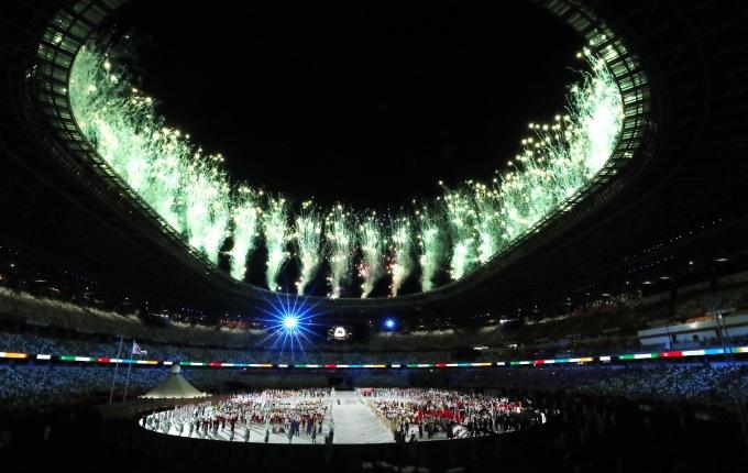 MBC가 지난 23일 도쿄올림픽 개막식 중계 중 참가국을 소개하면서 부적절한 사진을 사용한 데 대해 논란이 이어지고 있다. 사진은 도쿄올림픽 개막식 모습. /사진=뉴시스(공동취재사진)