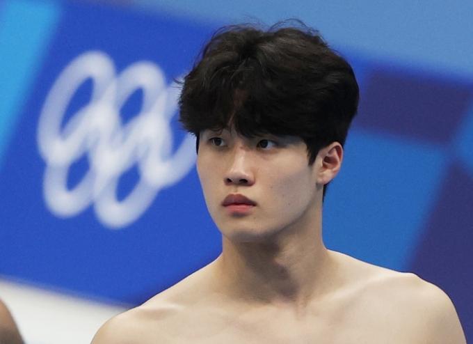황선우가 25일 오후 도쿄 아쿠아틱스 센터에서 열린 2020도쿄올림픽 수영 남자 자유형 200m 예선에서 1분44초62의 기록으로 3조 1위를 차지하며 준결승에 진출했다. /사진=뉴스1
