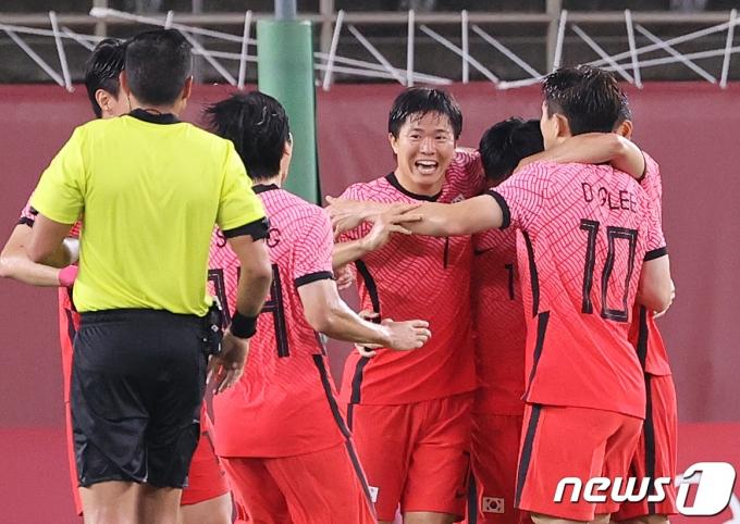 [사진] 이동경 '우리가 이길 수 있다'