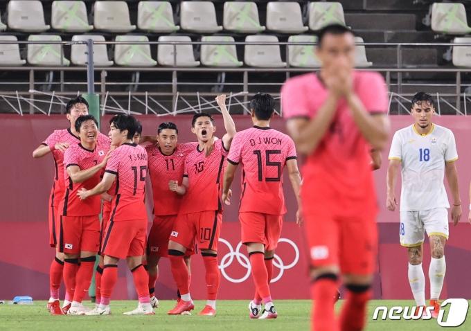 [사진] '이동경의 포효'