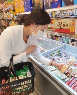 역대급 불바다 더위에… 편의점 컵얼음·아이스크림 매출 '껑충'