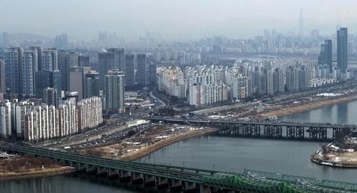 전국 아파트 매매 중간값 5억 돌파… 서울 10억·수도권 7억