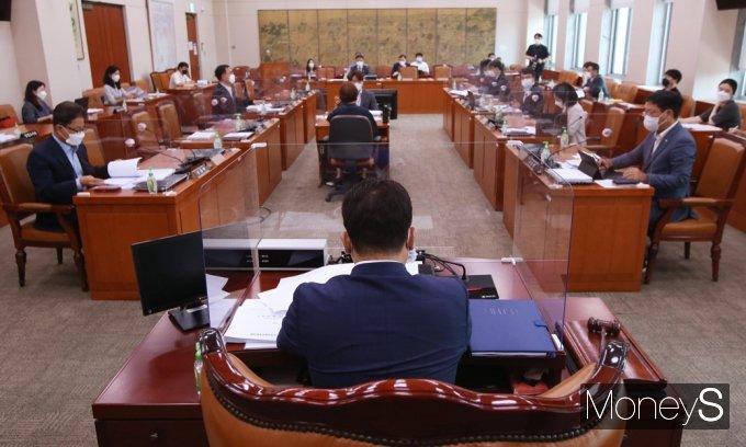 [머니S포토] '언론중재법' 관련 국회 문체위 문화예술법안심사소위