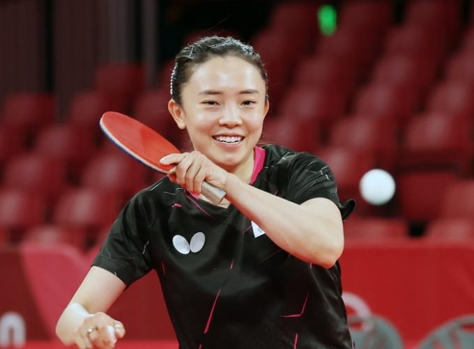 전지희가 27일 도쿄 메트로폴리탄 체육관에서 열린 2020도쿄올림픽 탁구 여자 단식 32강전에서 위앤지아난에 4-3(12-10 11-4 8-11 11-9 8-11 8-11 11-4)으로 승리해 16강에 진출했다. 사진은 전지희가 메트로폴리탄 체육관에서 연습하는 장면. /사진=뉴스1