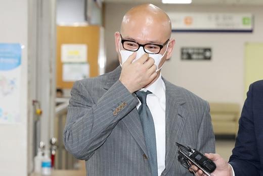 그룹 계열사를 동원해 개인회사를 부당하게 지원한 혐의로 기소된 이해욱 DL그룹 회장(53)이 벌금 2억원을 선고 받았다. /사진=뉴스1
