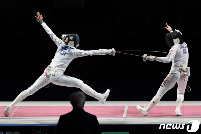 [사진] 송세라 '침착하게'