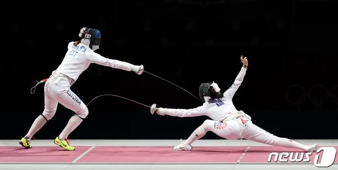 [사진] 대한민국-에스토니아 펜싱 '결승전 다운 경기'
