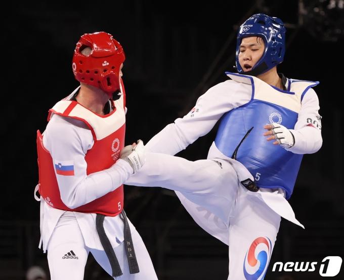 [사진] 자존심 지킨 인교돈, 태권도 80㎏급 동메달