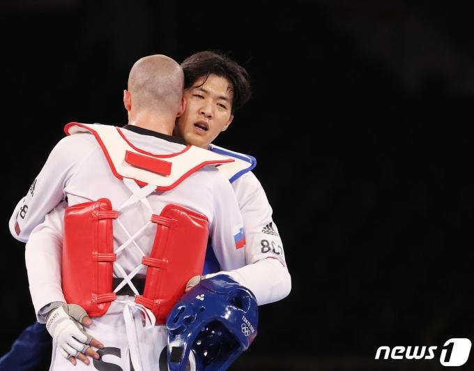[사진] 동메달 획득, 태권도 인교돈