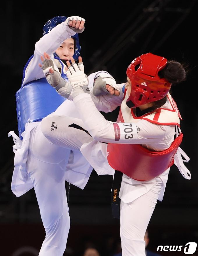 [사진] 태권도 이다빈, 女67Kg급 은메달 획득…태권도 올림픽 첫 노골드