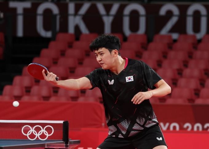 정영식이 28일 도쿄 체육관에서 열린 2020도쿄올림픽 탁구 남자 단식 8강전에서 판전둥(중국)에 패해 8강에서 탈락했다. 사진은 정영식의 훈련 장면. /사진=뉴스1