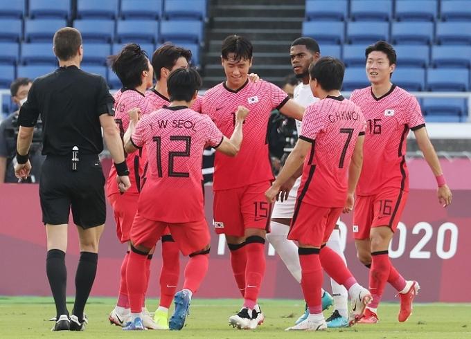 한국 올림픽 축구대표팀이 28일 오후 요코하마 인터내셔널 스타디움에서 열린 온두라스와의 2020도쿄올림픽 남자 축구 B조 조별라운드 3차전에서 5-0으로 승리해 8강에 진출했다. /사진=뉴스1
