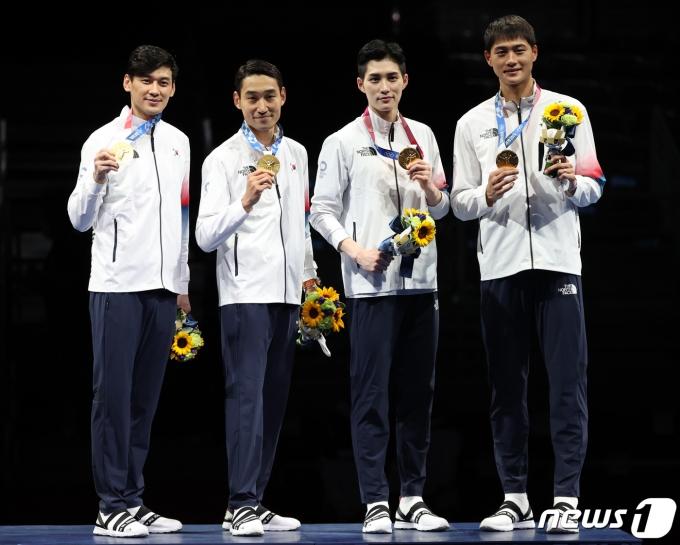 [사진] 펜싱 남자 사브르, 올림픽 단체전 금메달…역시 세계 1위!