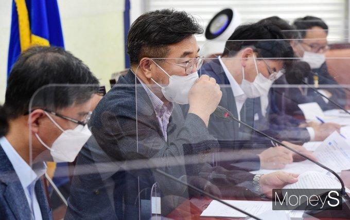[머니S포토] 윤호중 '정책조정회의 발언'