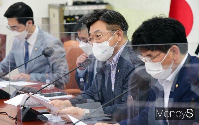 [머니S포토] 정책조정회의서 모두발언 하는 윤호중