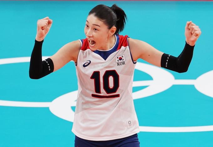 29일 일본 도쿄 아리아케 아레나에서 열린 2020도쿄올림픽 여자 배구 A조 조별리그 3차전 한국과 도미니카공화국의 경기에서 한국이 세트스코어 3-2로 승리했다. /사진=뉴스1