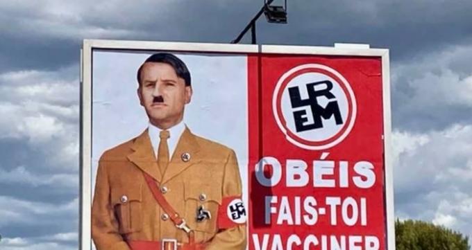 에마뉘엘 마크롱 프랑스 대통령이 자신을 나치 독일 지도자 아돌프 히틀러에 비유한 포스터에 법적 대응할 방침이다. /사진=라데페슈