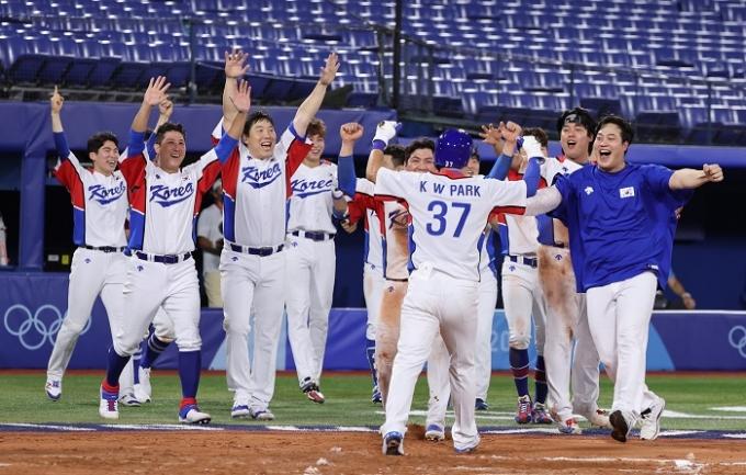 한국 야구대표팀이 29일 오후 일본 요코하마 구장에서 열린 이스라엘과의 오프닝 라운드 B조 1차전에서 연장 승부 끝에 6-5로 승리했다. /사진=뉴스1