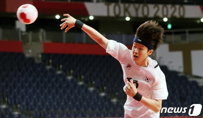 [사진] 도쿄올림픽, 핸드볼 한일전 '이기자!'