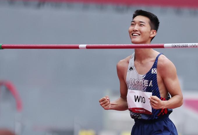 육상 대표 우상혁이 2020도쿄올림픽 남자 높이뛰기 결선에 진출했다. /사진=뉴스1