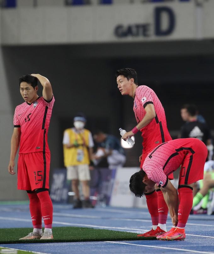 멕시코 매체 '풋볼토탈'이 지난 28일(이하 현지시각) 보도를 통해 오는 31일 한국과의 경기에서 가장 주목해야 할 선수로 이강인(왼쪽)과 황의조(가운데)를 지목했다. /사진=뉴스1